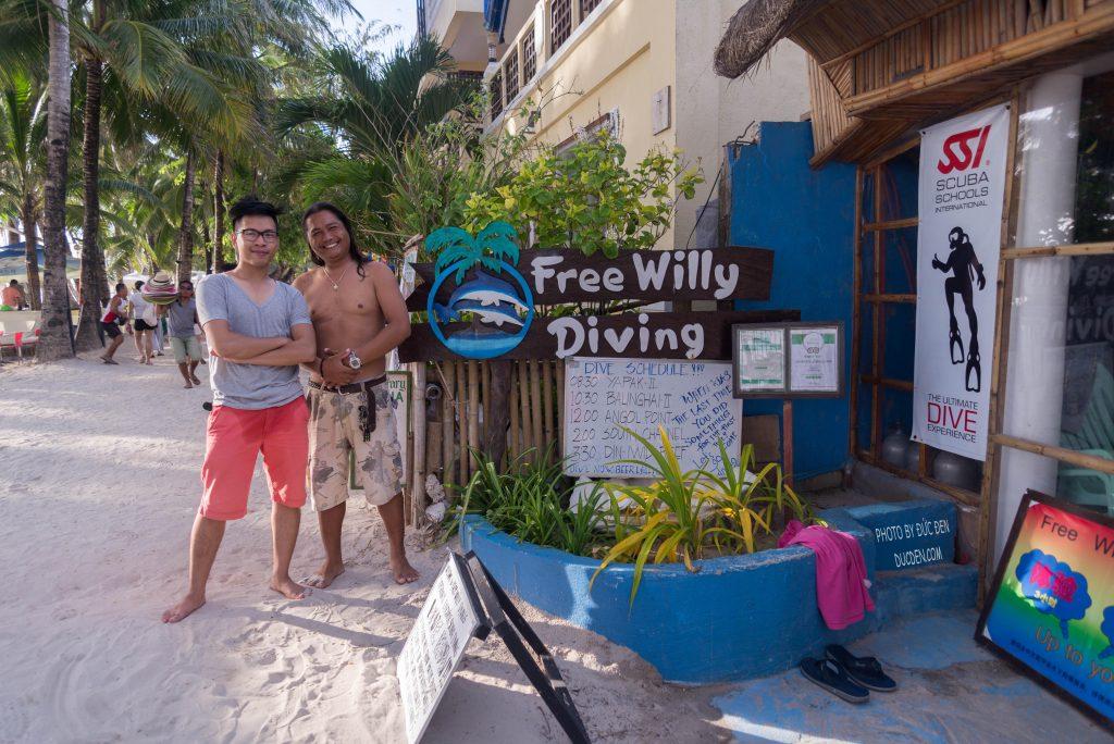 Thầy dạy scuba diving của tôi- Kinh nghiệm du lịch Boracay của Đức Đen