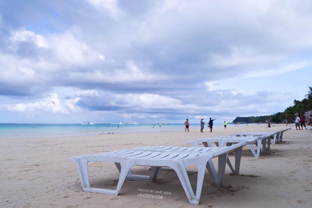 Nằm đây tắm nắng thư giãn xã stress cực chị em ạ - Kinh nghiệm du lịch Boracay của Đức Đen
