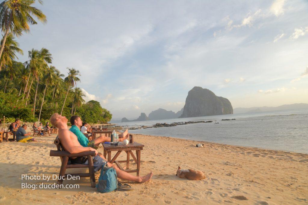 Sau một ngày chơi dài thì ngồi đây thư giãn ngắm mặt trời lặn thực sự rất thích