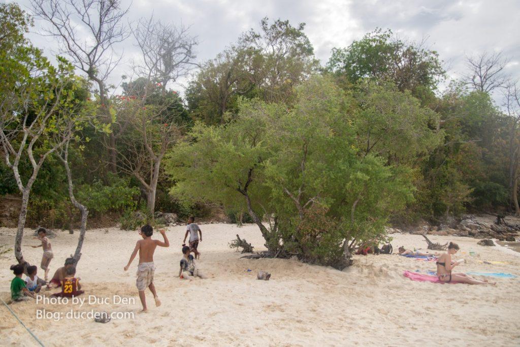 Sau 1 tour dài lặn mệt mỏi thì CYC Beach là chỗ để nghỉ chân nằm tắm nắng cực thư giãn - Hưỡng dẫn đi Coron tự túc