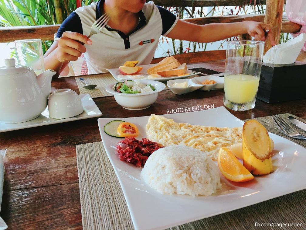 Bữa sáng ở resort (free nhé) - Du lịch Coron