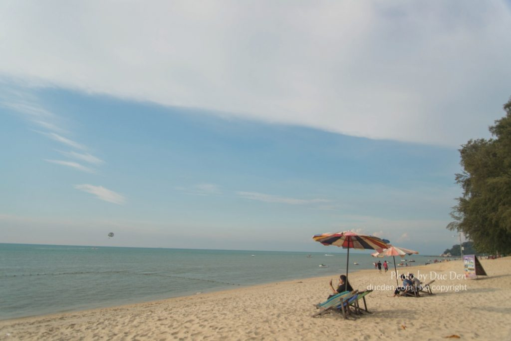 Đây là bãi Batu Feringghi nổi tiếng ở Penang | Cẩm nang Du lịch Penang