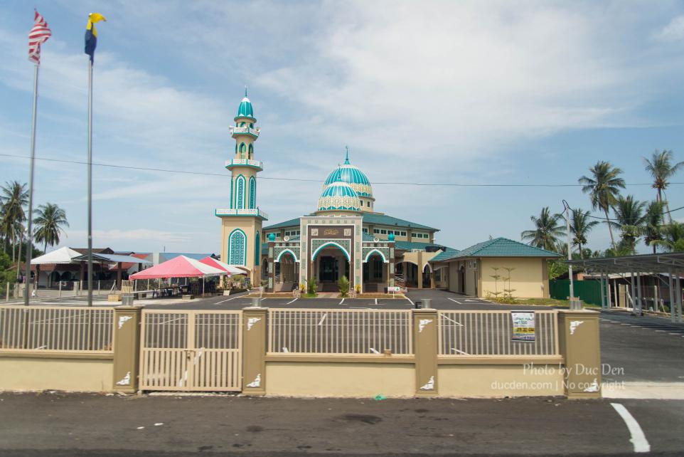 Nếu như đi Philippines anh em gặp cực nhiều nhà thờ thiên chúa, thì ở Malaysia là nhà thờ hồi giáo - Du lịch Langkawi