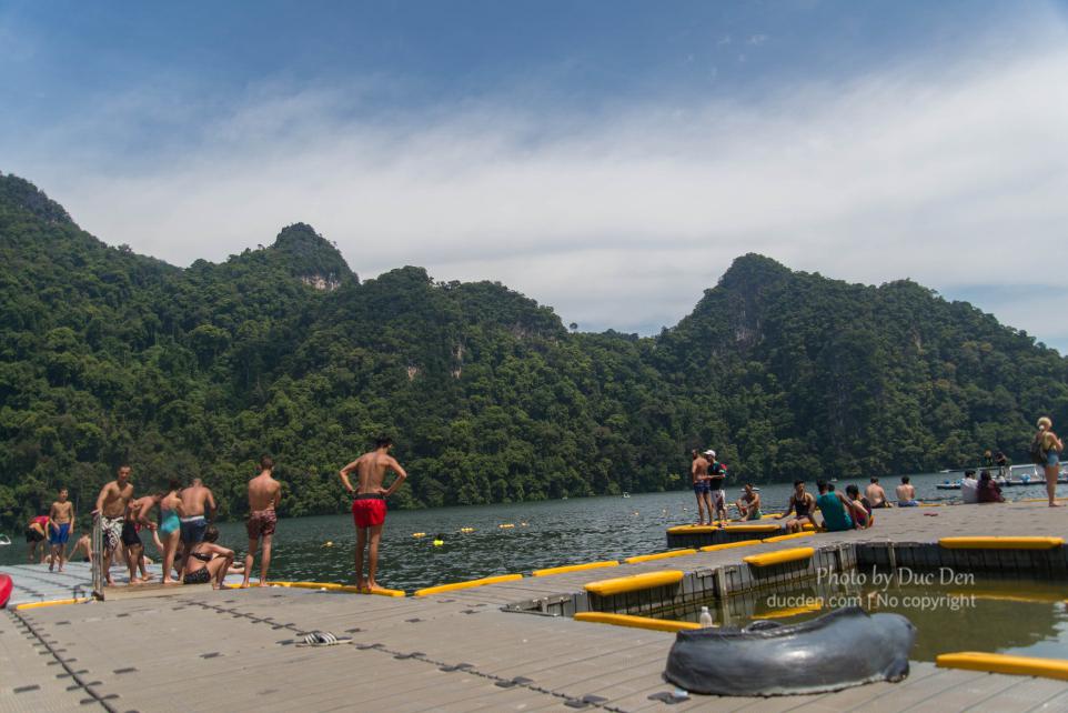 Đây chính là hồ nước ngọt giữa lòng biển Langkawi