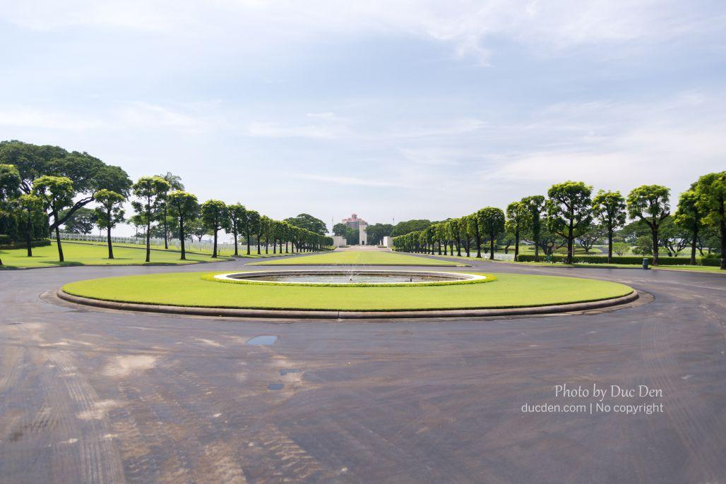 Xa xa là cổng vào khu tưởng niệm lính Mỹ - American Cemetery | Du lịch Manila
