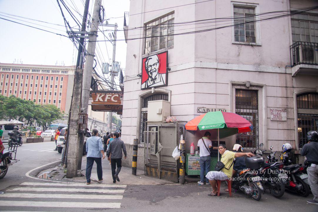 KFC bên này không chuộng lắm thì phải