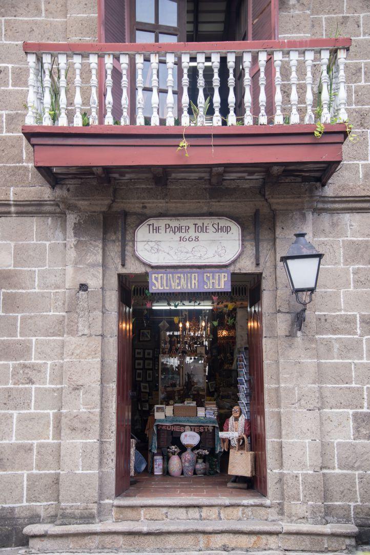 The Papier Tole Shop - Shop quà lưu niệm từ năm 1668