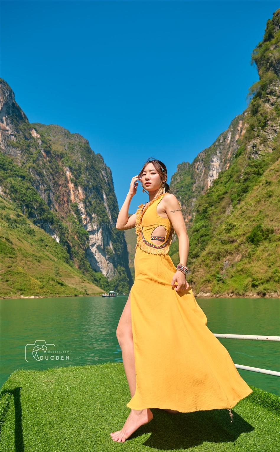 Một trong những trải nhiệm best nhất là đi thuyền trên sông Nho Quế, cảm giác sao á? Không nói đâu tự trải nghiệm đi hihi