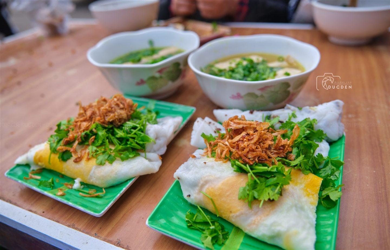 Bánh cuốn phố cổ Đồng Văn: Ngon lạ nhưng nước dùng không phải nước chấm nên hơi nhạt